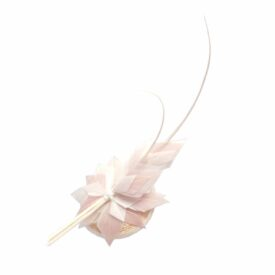 Hennumi_HB090C_Susan_Feather clip headpiece_ivory-pink